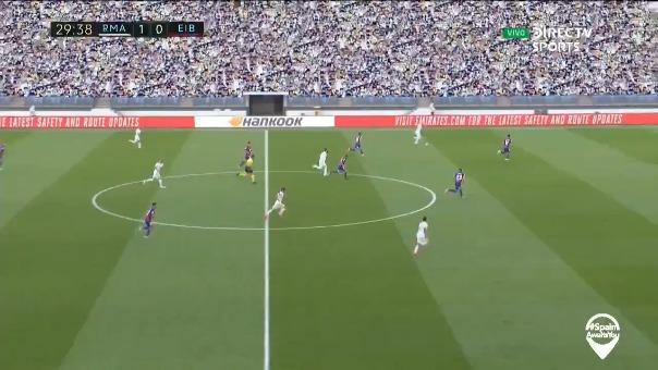 Sergio Ramos anota tras pase de Eden Hazard.