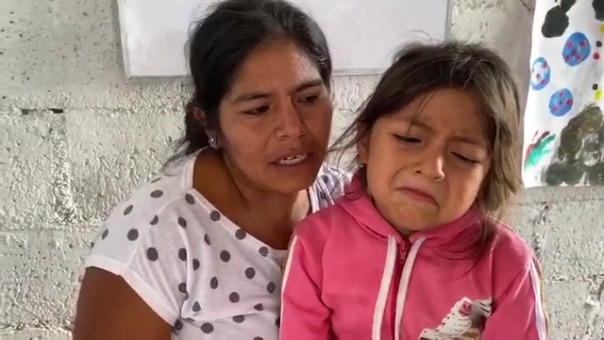 Cuando la mujer recuperó a sus hijas con orden judicial, su ex pareja le anuló el seguro y no pudo extirparse el tumor.