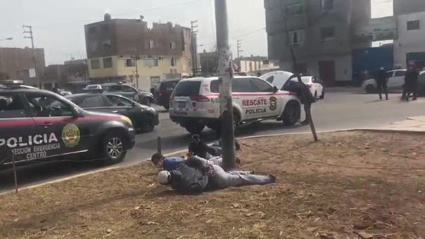 Los presuntos asaltantes fueron capturados por la Policía después de una larga persecución.
