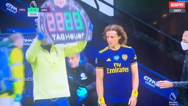 David Luiz tuvo un mal partido ante el Manchester City