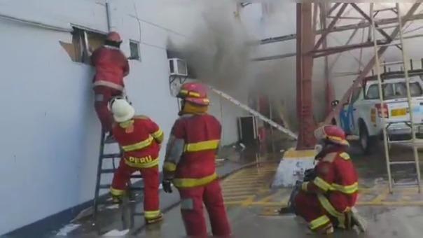 Fuego en local de Movistar provocó que usuarios se queden sin señal en Chiclayo