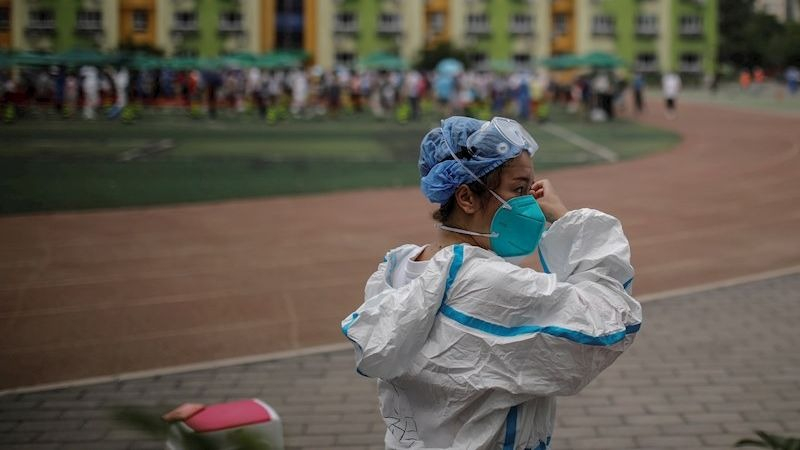 China ha reaccionado al rebrote sometiendo a pruebas a 2,29 millones de personas.