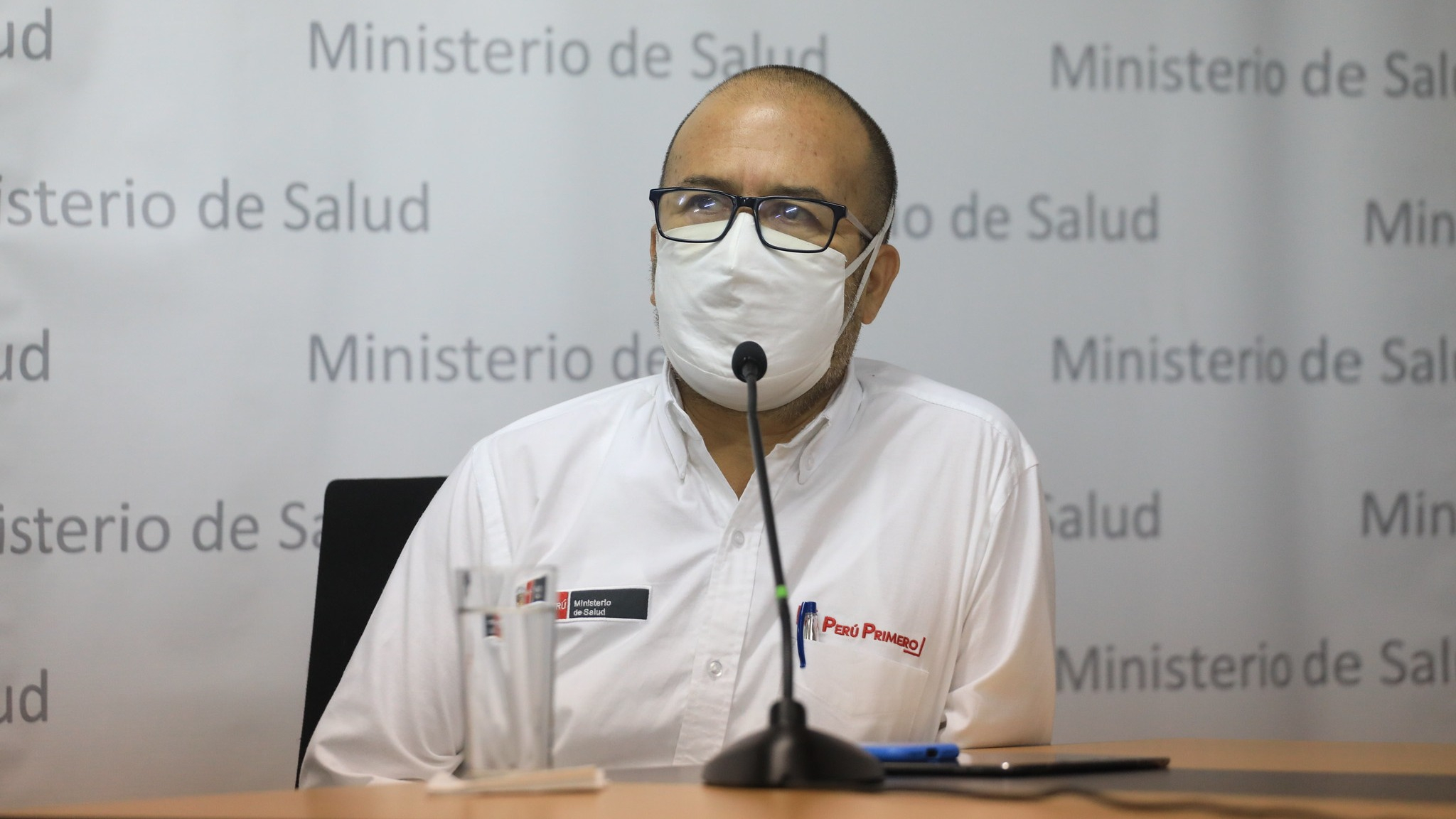 Víctor Zamora, ministro de Salud.