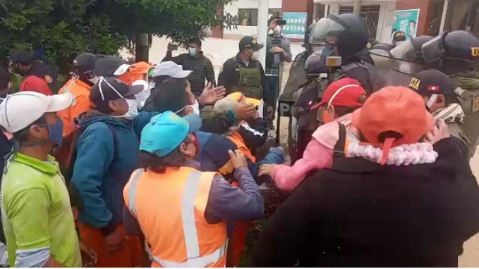 Policía detuvo a dos dirigentes de los obreros leonardinos