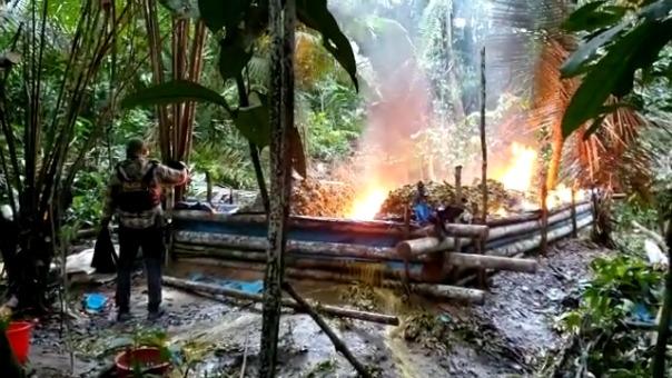 La poza de maceración fue destruida e incinerada por la Policía.