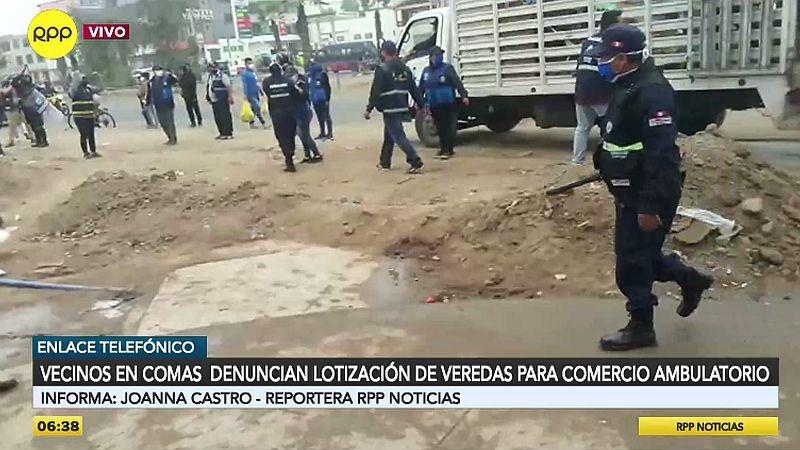 Según los vecinos, los ambulantes han contratado matones para evitar ser desalojados.