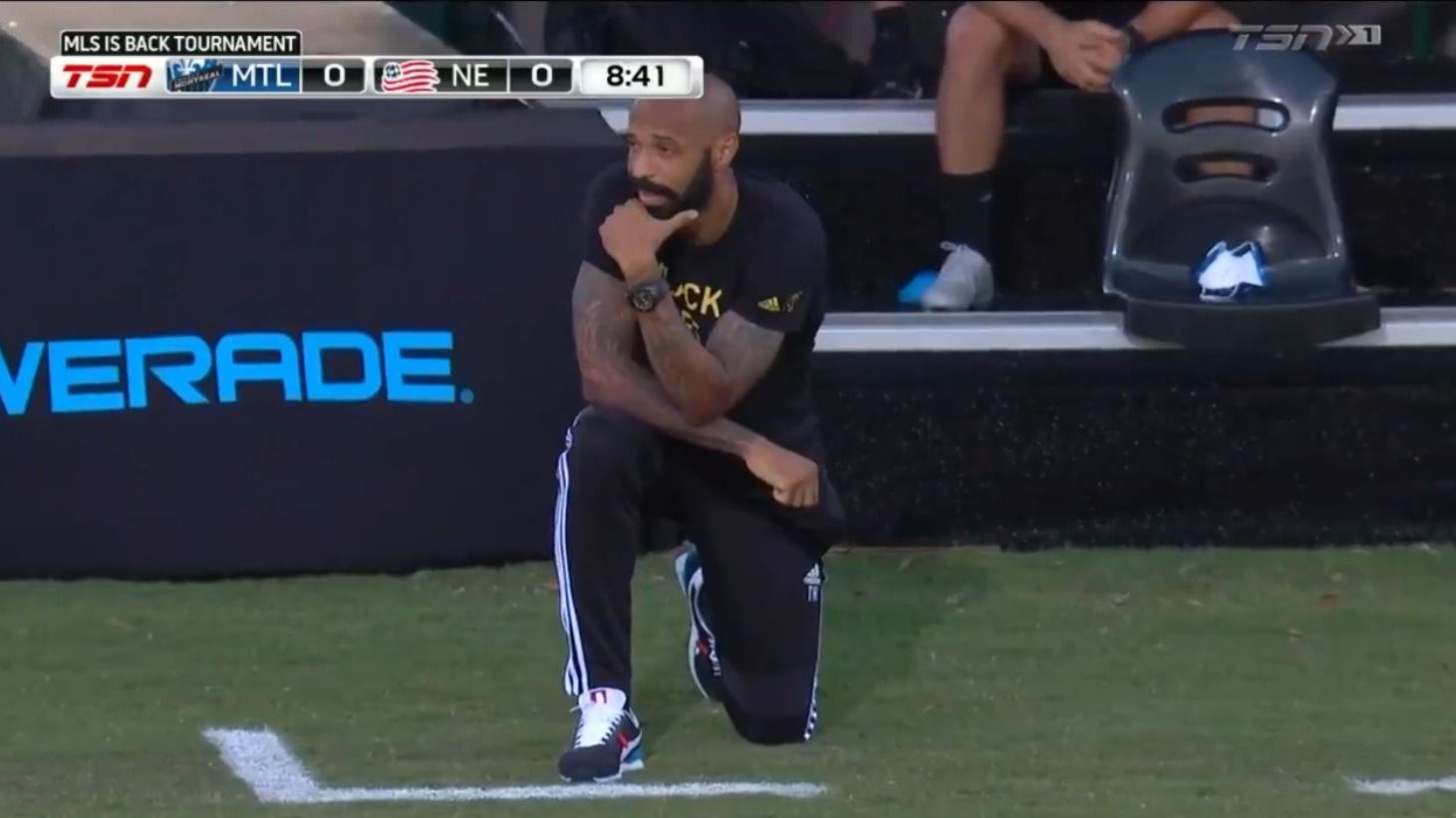 MLS: Thierry Henry se arrodilló durante 8 minutos en memoria de George Floyd