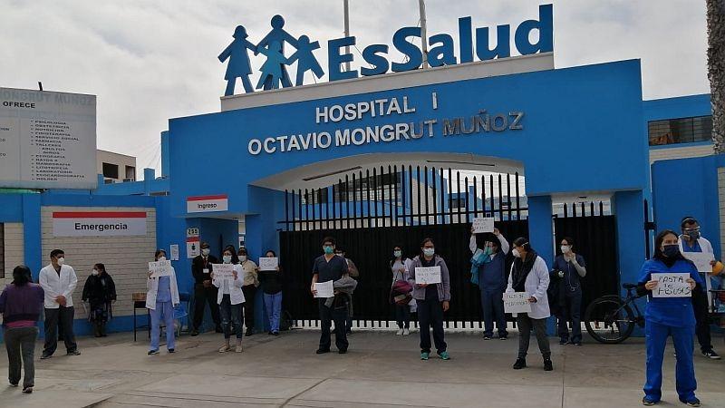 Los trabajadores sanitarios pidieron más protección para atender los pacientes de la COVID-19.