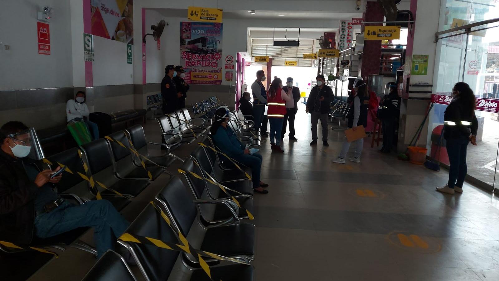 Sutran supervisó los diferentes terminales terrestres de la ciudad.