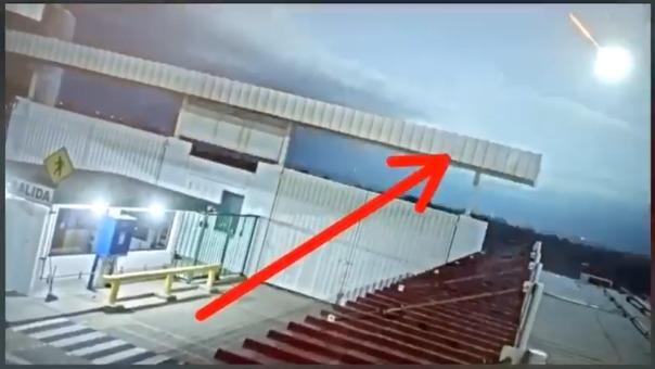Una de las cámaras captó un cuerpo luminoso cruzando el cielo; sin embargo se terminó desvaneciendo.