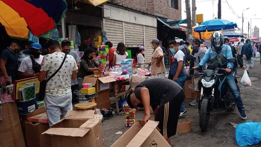 Más de la mitad de los comerciantes han contraído la COVID-19 y sus prácticas no son higiénicas a pesar del contacto con el público, afirmó el alcalde de Trujillo.