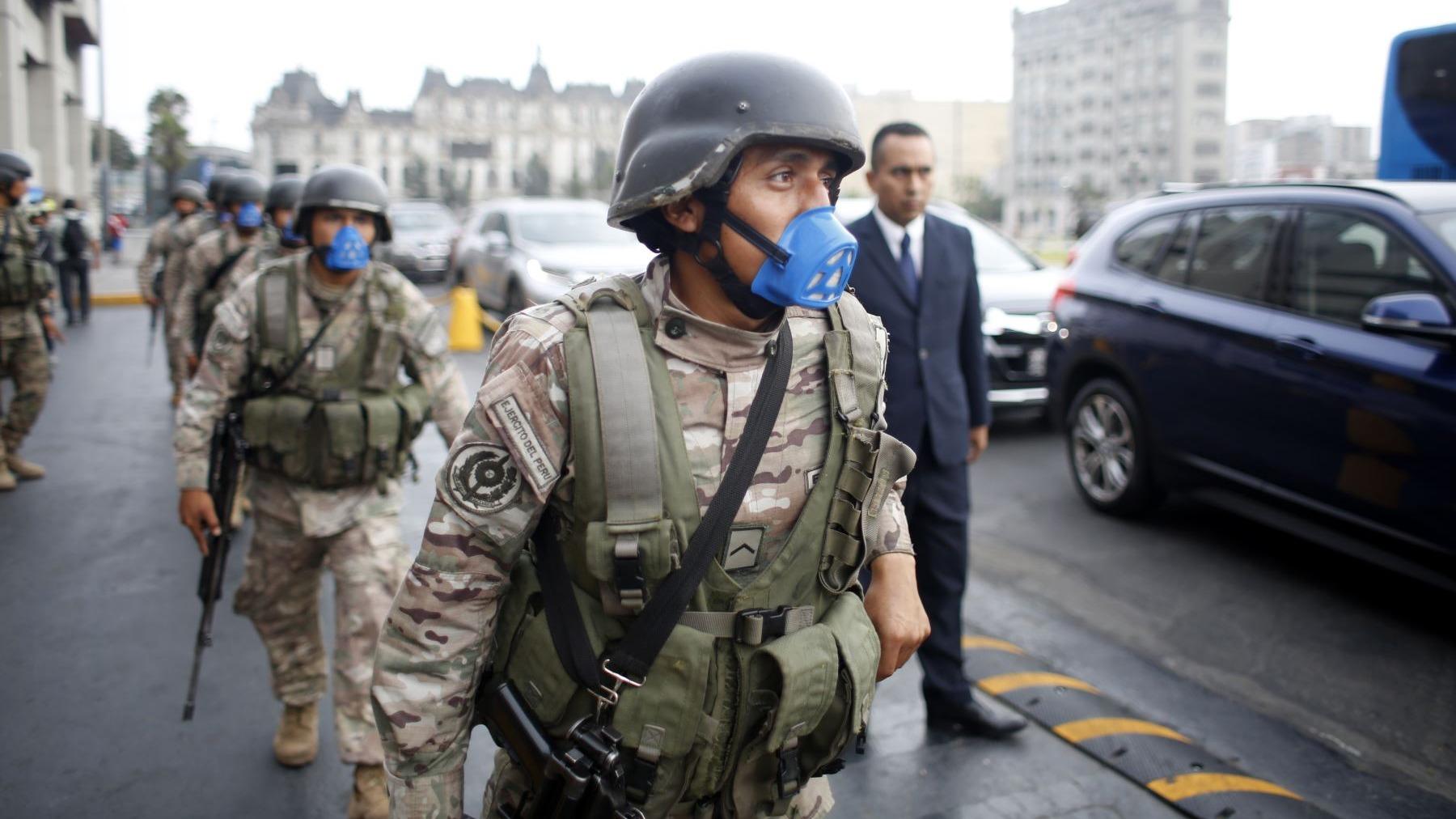 Fuerzas Armadas permanecerán en las calles.