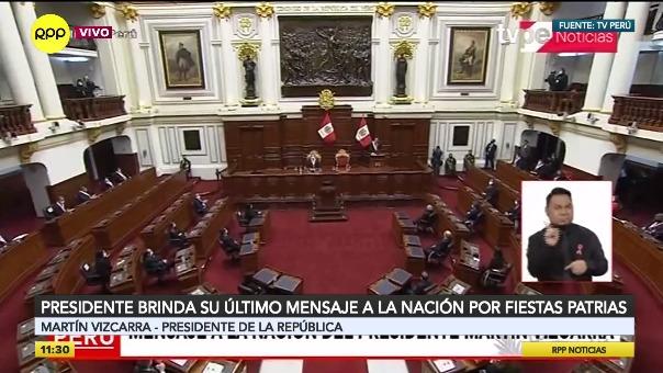 Martín Vizcarra anuncia medidas para el transporte público.