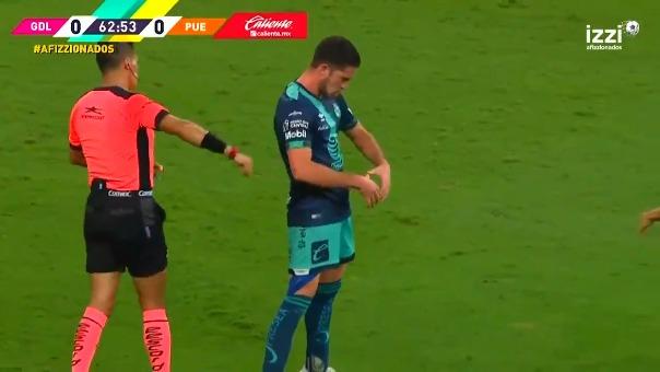 Golazo de Santiago Ormeño en la victoria de Puebla sobre Chivas