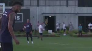 Neymar en entrenamiento de PSG.