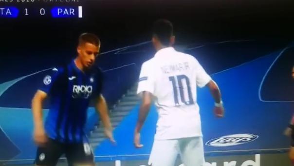 Neymar ante Atalanta.