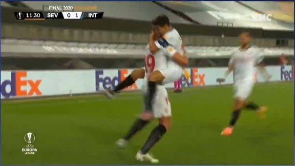 Así fue el primer gol del Sevilla. El autor Luuk de Jong
