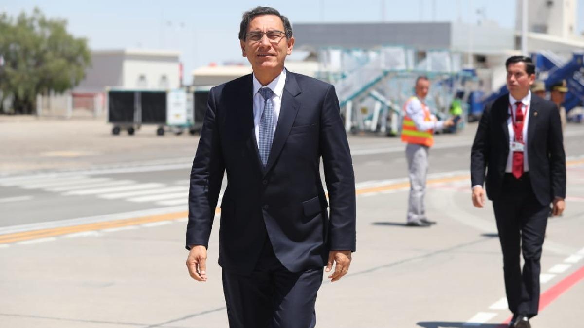 Presentan denuncia contra Vizcarra.