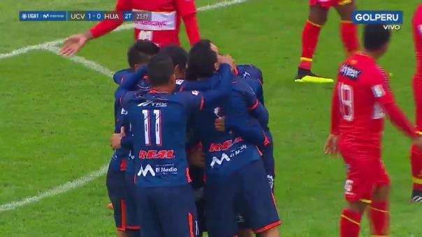 César Vallejo venció con goles de Jairo Vélez y Víctor Cedrón