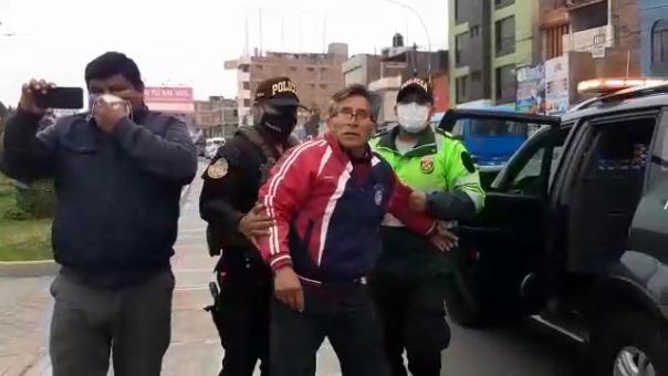 Tras negarse a utilizar la mascarilla, el ciudadano fue retenido por la Policía Nacional y trasladado a una comisaría.