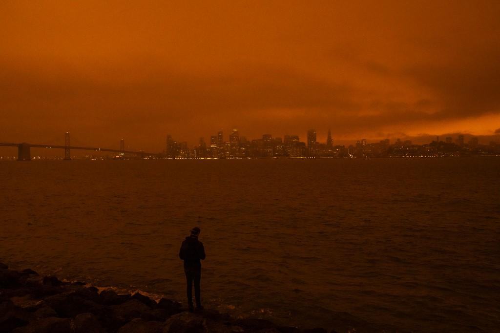 En Oregon, la gobernadora Kate Brown declaró que los incendios en ese estado del noroeste eran un
