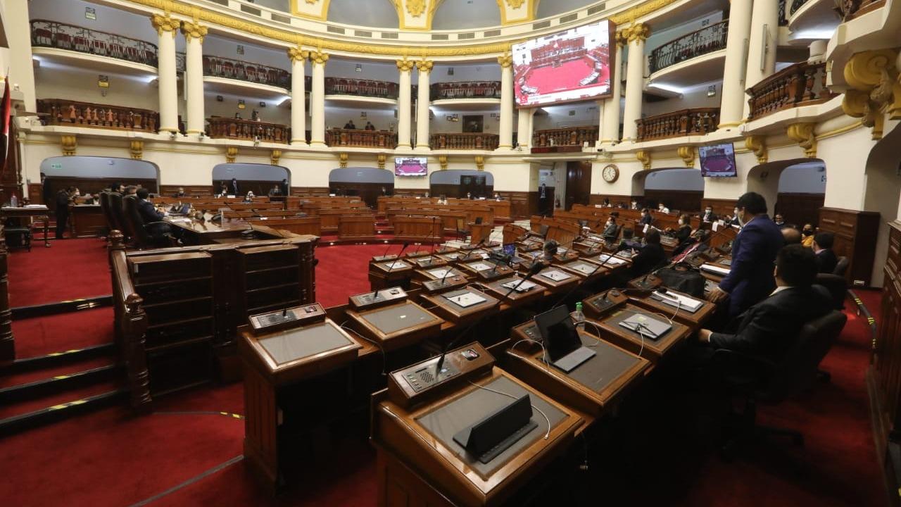 Congreso debatirá si admite la moción de vacancia presidencial.