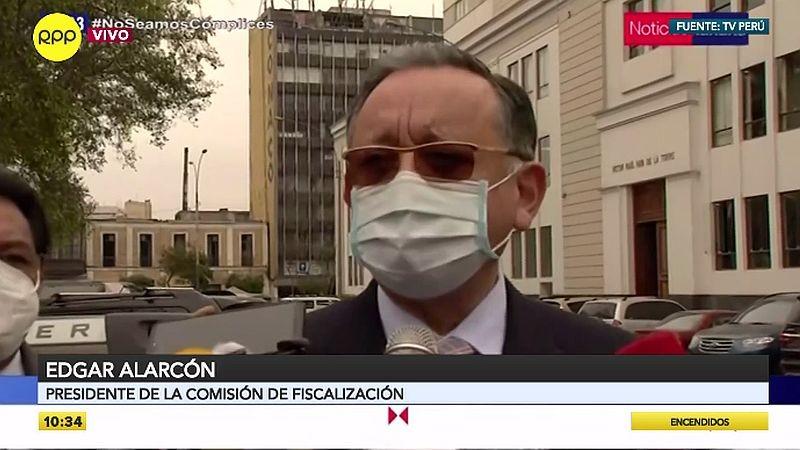 Edgar Alarcón brindó declaraciones antes de ingresar a la sede del Congreso.