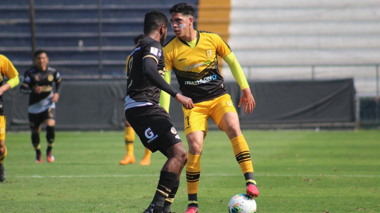 Yuriel Celi tiene 2 goles en la temporada con Cantolao