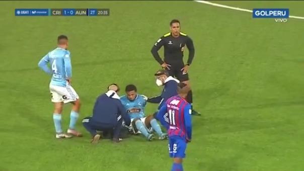 Johan Madrid sufrió un duro golpe en partido ante Alianza Universidad.