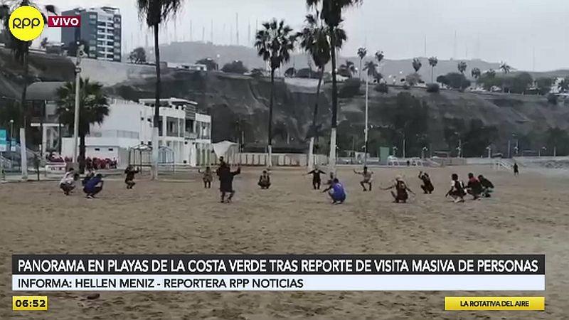 Así luce la playa Agua Dulce tras ser limpiada por personal edil.