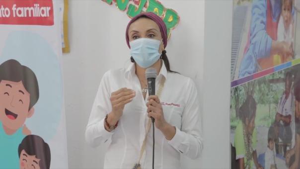 La ministra Patricia Donayre estuvo en San Juan de Lurigancho con su par de Salud, Pilar Mazzetti.