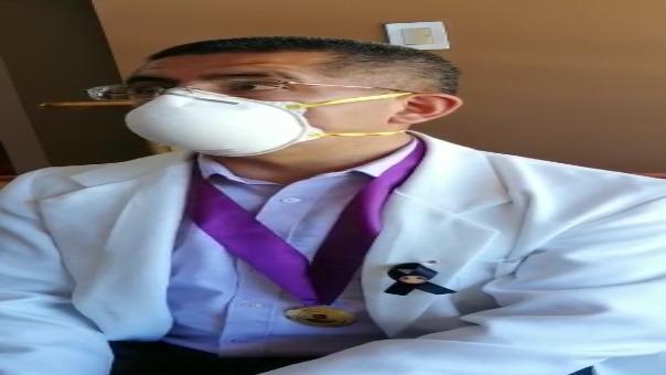 El decano del Colegio Médico indicó que cinco médicos se encuentran en estado crítico y están hospitalizados en Lima.