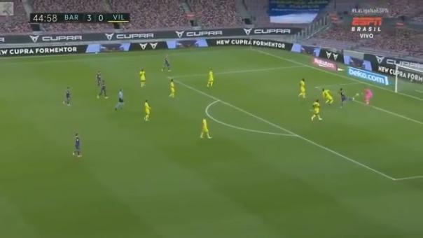 Pau Torres marcó autogol y puso el 4-0 de Barcelona ante Villarreal.