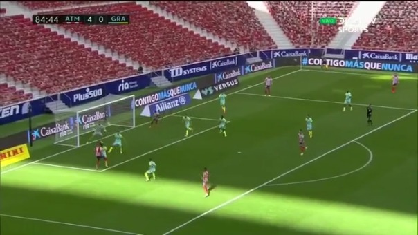 Luis Suárez y su primer gol.