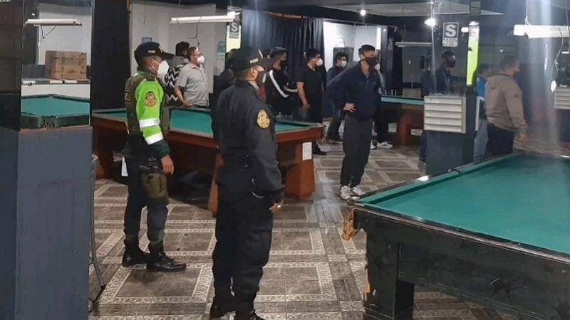 Más de 800 intervenidos es el saldo de un gran operativo desplegado por la Policía en la ciudad.