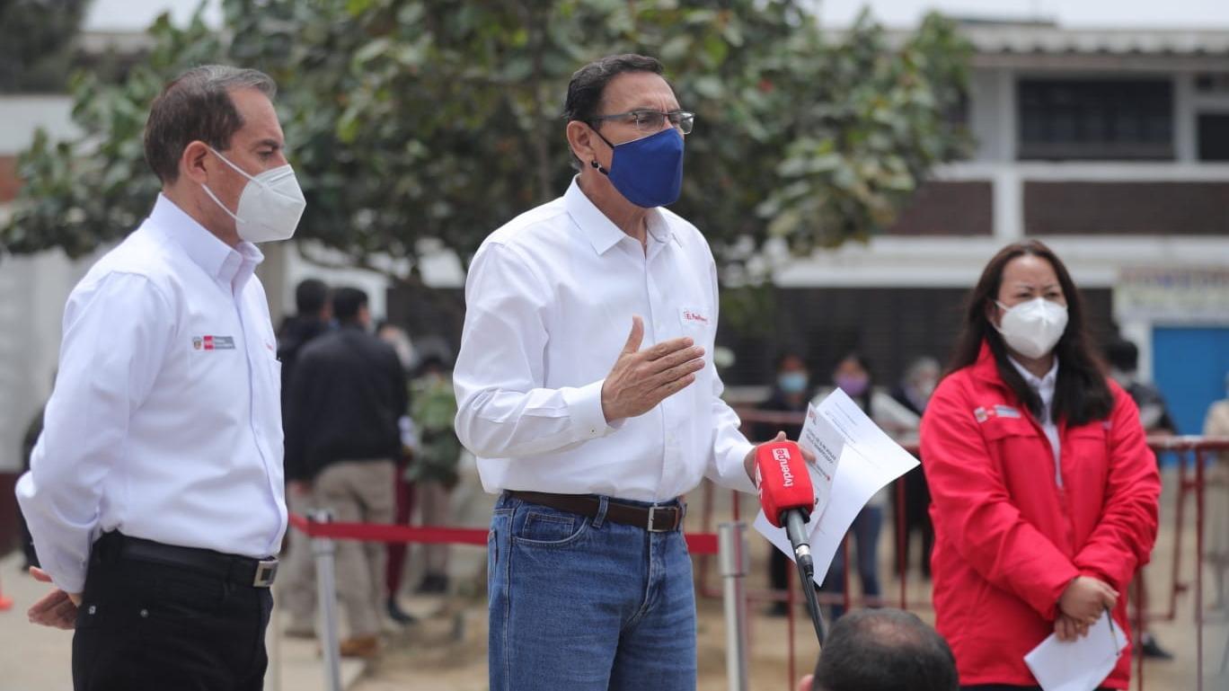 Presidente supervisó el Centro de Atención Autorizado del Bono Familiar Universal en Villa El Salvador.