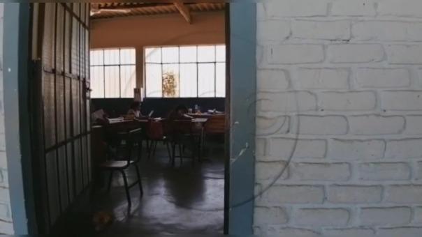 RPP Noticias llegó hasta el colegio San José Obrero y encontró a varios escolares dentro de una de las aulas recibiendo clases.
