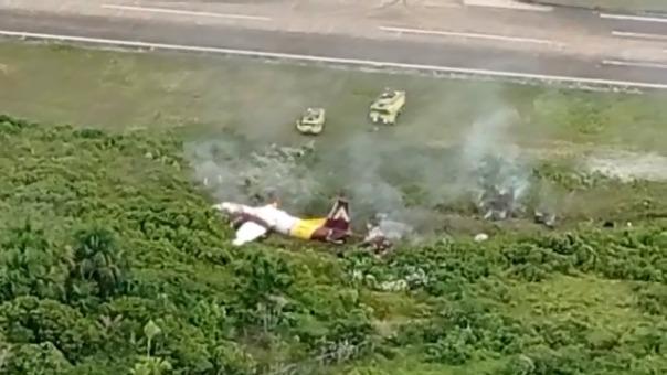 Así quedó el avión de carga que sufrió un accidente antes de aterrizar en el aeropuerto de Iquitos.