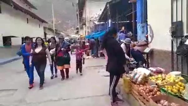 Ni el uso de mascarilla ni el distanciamiento social cumplen los pobladores de Huancaspata, en Pataz.
