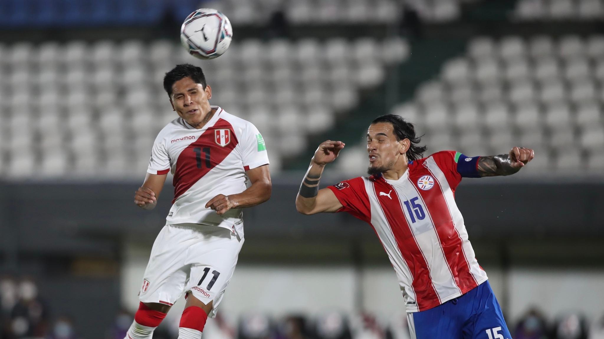 Raúl Ruidíaz viajó a Estados Unidos para unirse al Seattle Sounders