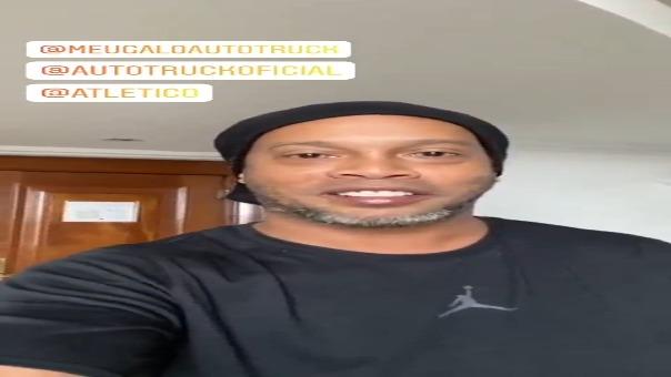 Ronaldinho dio positivo a COVID-19