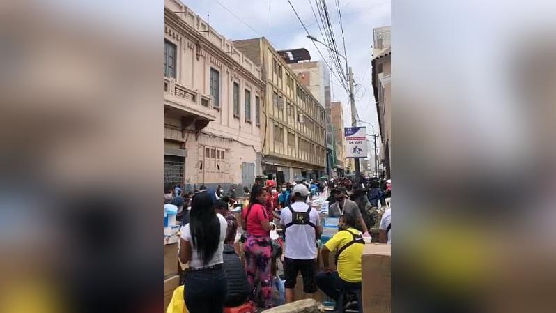 Un video enviado al Rotafono muestra la gran aglomeración de personas en Mesa Redonda.