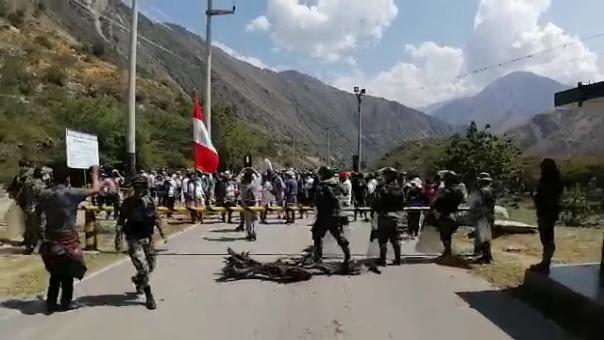 Los pobladores esperan la comunicación de los congresistas por Huancavelica Kenyon Durand o Posemoscrowte Chagua.
