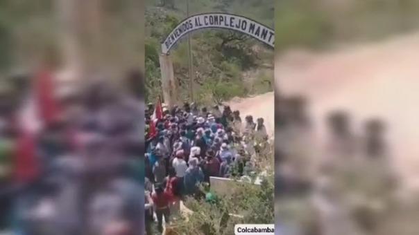 Pobladores se enfrentaron a la Policía en una de las garitas de control.