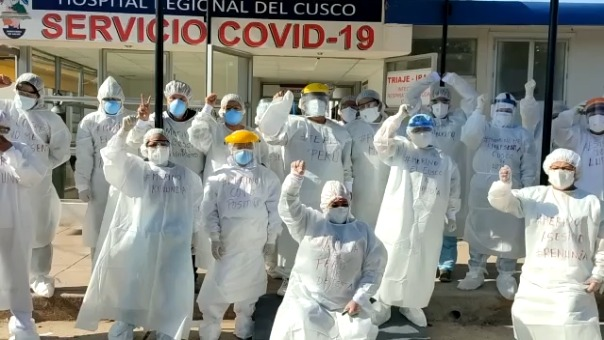 Personal de salud en Cusco exige la renuncia de Manuel Merino.