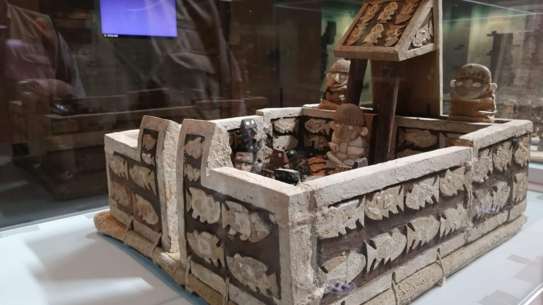 Representación de templo Chimú en ciudadela Chan Chan hallado en Huacas de la Luna.