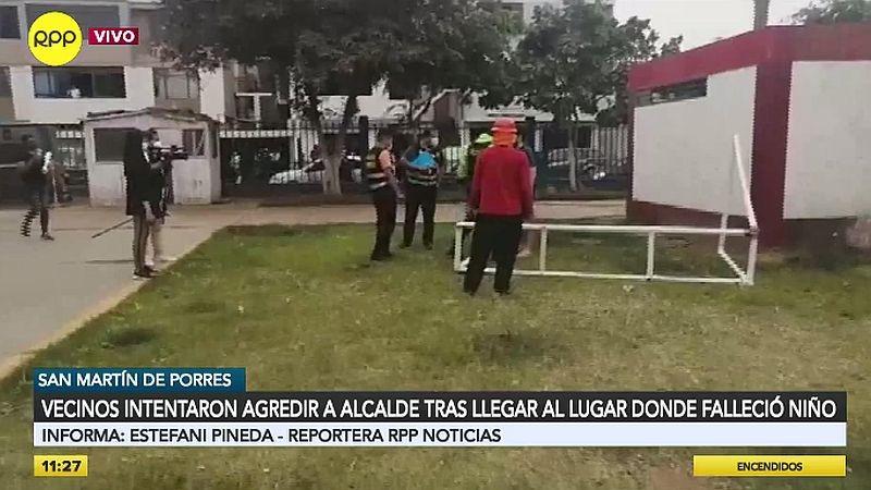 Numerosos vecinos realizaron un plantón en el parque donde murió el menor.