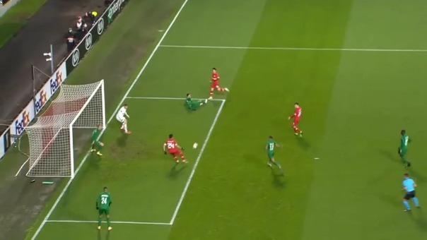 Cristian Benavente perdió chance de gol ante Ludogorets