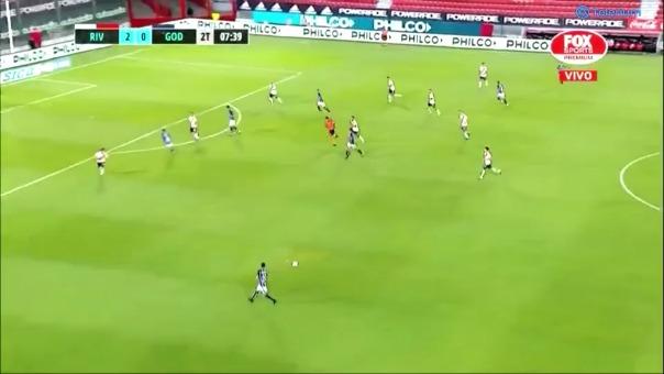 River Plate 2-1 Godoy Cruz: gol de Tomás Baladoni