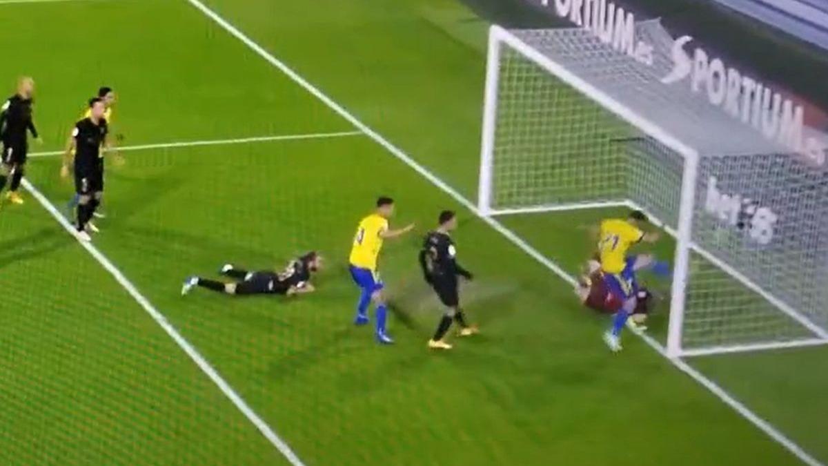 El 1-0 en el Barcelona vs. Cádiz fue obra de Giménez.